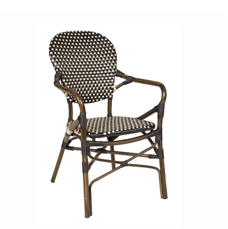 sillón-estilo-parisino-para-terraza-marrón
