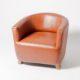 sillón-estilo-industrial-tapizado-cuero-efecto-envejecido