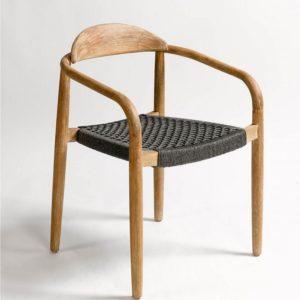 silla-diseño-madera-y-asiento-cuerda-negra